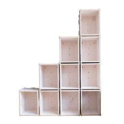 Stufenregale aus Holzkisten mit vier Stufen