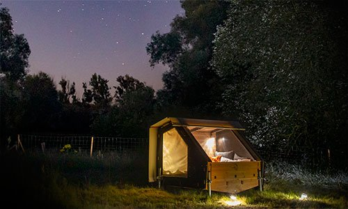Ein Bett-to-Go unterm Sternenhimmel